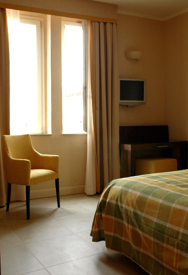 Simple, clean and uncluttered rooms at the Hotel Perseo