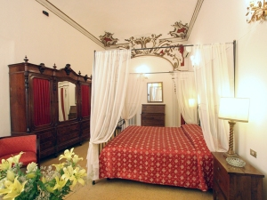 Four Poster style at the Hotel Aprile